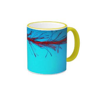 Círculos en la taza azul