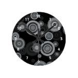 Círculos enrrollados del garabato relojes de pared