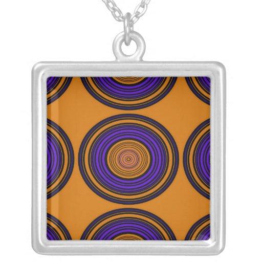 Círculos marrones y púrpuras contemporáneos collar personalizado