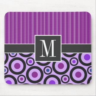Círculos púrpuras femeninos y puntos mouse pads