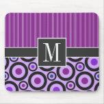 Círculos púrpuras femeninos y puntos alfombrilla de raton