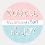 Círculos rosados y azules y pegatina gemelo del be