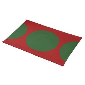 Círculos verdes en rojo manteles