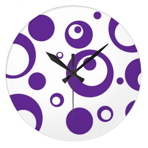 Círculos y puntos en púrpura del jugo de uva reloj redondo grande