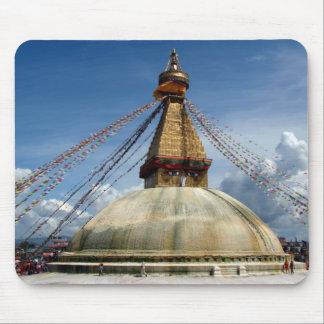 Circumambulating el Stupa Boudha Alfombrillas De Raton