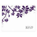 Ciruelo y tarjetas blancas de la respuesta de RSVP Postales