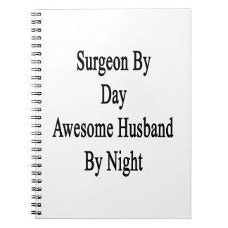 Cirujano del marido impresionante del día por libro de apuntes