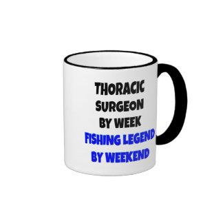 Cirujano torácico de la leyenda de la pesca taza de dos colores