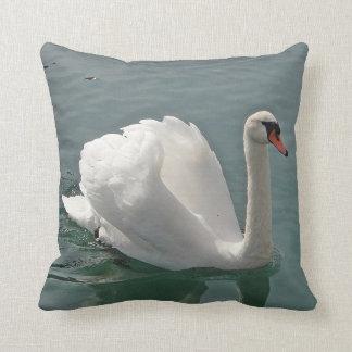 Cisne del blanco de Dekokissen Cojín Decorativo