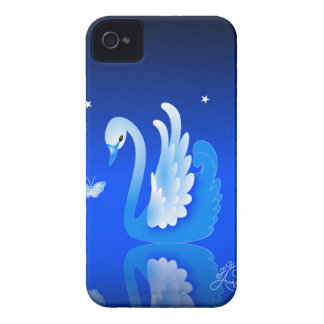 Cisne elegante en un lago azul iPhone 4 Case-Mate fundas