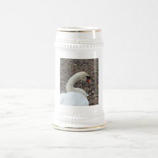 Cisne en descanso jarra de cerveza