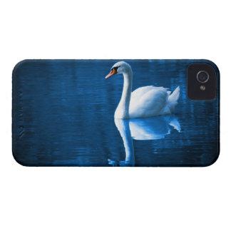 Cisne en el caso del iPhone 4/4S del lago iPhone 4 Case-Mate Protector