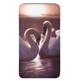 Cisnes cariñosos que forman un corazón funda acolchada para galaxy s5