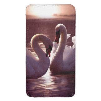 Cisnes cariñosos que forman un corazón funda para galaxy s4