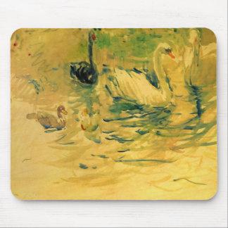 Cisnes de Berthe Morisot Mouse Pads