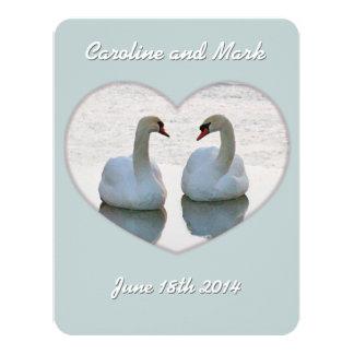 Cisnes del Lovebird en el corazón que mira la Invitación 10,8 X 13,9 Cm