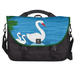 Cisnes en el lago bolsas de ordenador