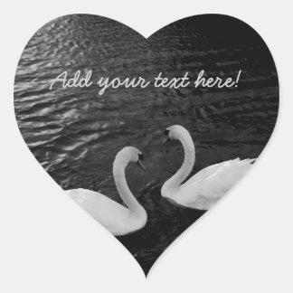 Cisnes gemelos calcomanías corazones personalizadas