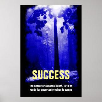 Cita azul del éxito del árbol de la noche póster