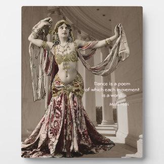 Cita de Bellydance del vintage de Mata Hari Placa Para Mostrar