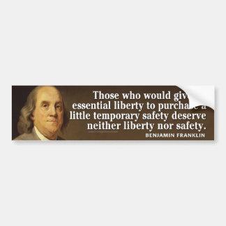 Cita de Ben Franklin en libertad y seguridad Pegatina Para Auto