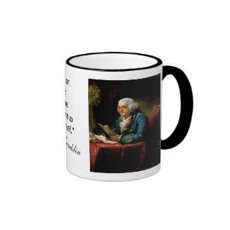 """Cita de Ben Franklin """"la constitución de los E.E.U Taza A Dos Colores"""