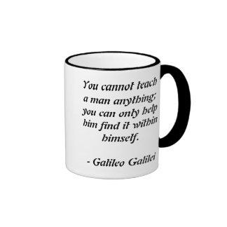 Cita de Galileo Galilei Taza De Dos Colores