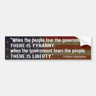 Cita de Jefferson: Libertad contra tiranía Pegatina Para Auto