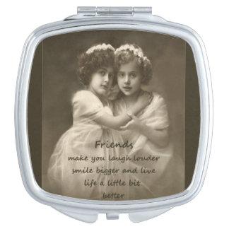 Cita de la amistad de las novias del vintage espejos de maquillaje