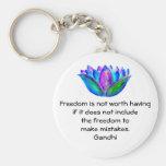 Cita de la libertad de Gandhi con la foto del flor Llaveros Personalizados