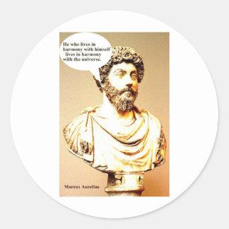 Cita de MARCO AURELIUS - él que vive en los wi de Pegatina Redonda