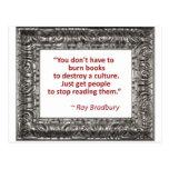 Cita de Ray Bradbury sobre los libros ardientes Postal
