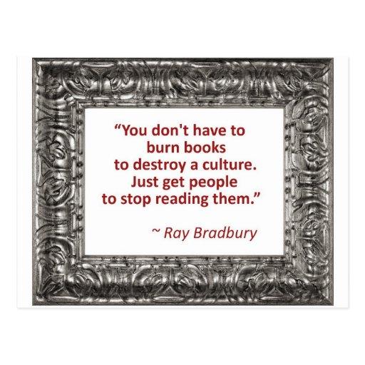 Cita de Ray Bradbury sobre los libros ardientes Tarjeta Postal