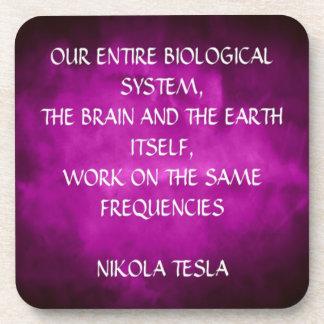 Cita de Tesla en púrpura Posavasos De Bebidas
