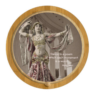 Cita del bailarín de Mata Hari Bellydance