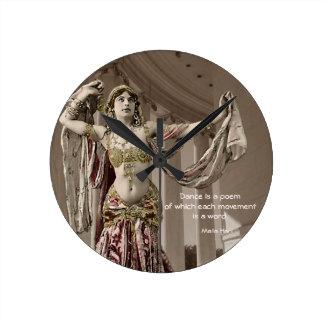 Cita del bailarín de Mata Hari Bellydance Reloj Redondo Mediano