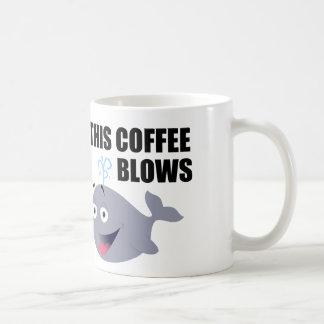 Cita divertida del café con la ballena taza clásica