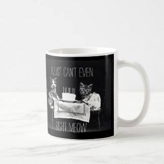 Cita divertida del gato apenas no puedo incluso taza de café