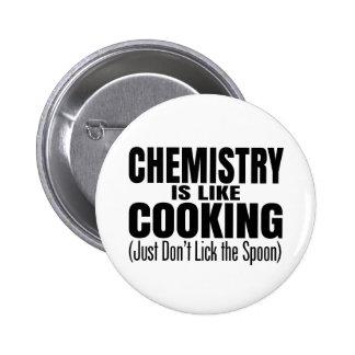 Cita divertida del profesor de la química pin redondo de 2 pulgadas