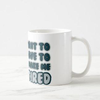 Cita divertida del retiro taza básica blanca