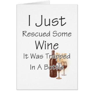 Cita divertida sobre el vino, bebiendo tarjeta de felicitación