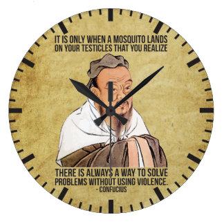 Cita espiritual divertida - mosquito en los reloj redondo grande