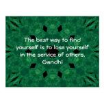 Cita inspirada de Gandhi sobre esfuerzo personal Postales