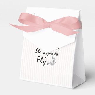 Cita inspirada de la mariposa caja para regalos de fiestas