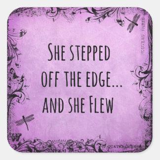 Cita inspirada: Ella caminó del borde y Pegatina Cuadrada