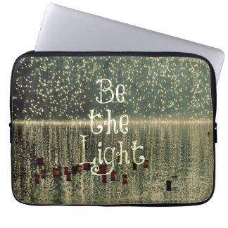 Cita inspirada: Sea la luz Fundas Portátiles