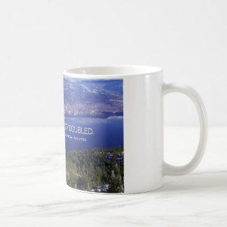 Cita inspirada - una alegría compartida taza