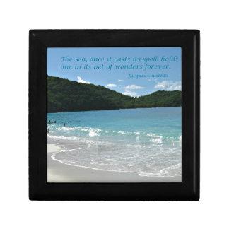 Cita sobre el mar, por J. Cousteau Joyero Cuadrado Pequeño