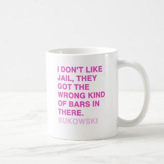 Citas de Charles Bukowski Taza Básica Blanca