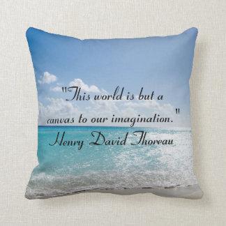 Citas de Thoreau en la almohada de tiro de la